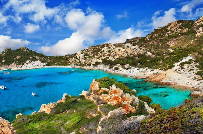 <写真サルデーニャ島リゾート地>